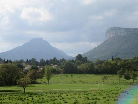 Stunning scenery - Hortus and Pic saint Loup