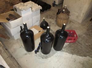 Bottles, sample bottles and emptied bonbonnes